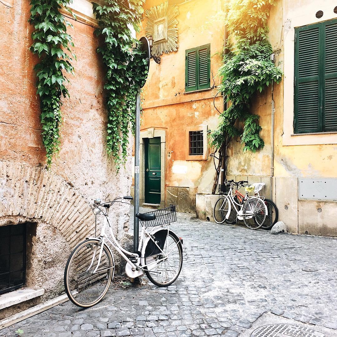 CITY GUIDE: ROME with Anna Scrigni